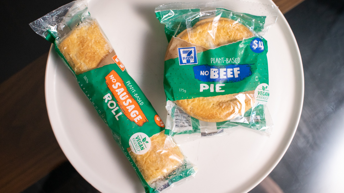 Vegan 7-Eleven Pie and Sausage Roll Review